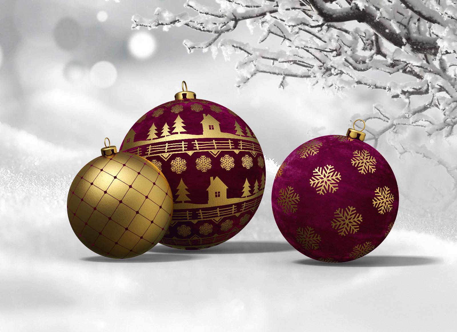 Free Christmas Ball Mockup PSD